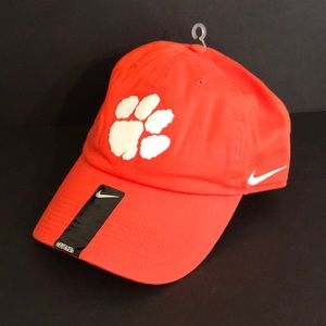 NWT orange & white Nike Heritage hat cap